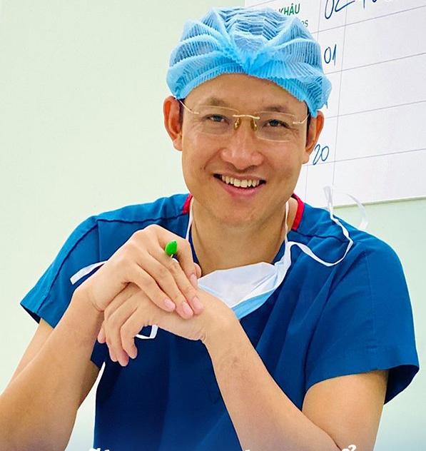 """Bệnh lý viêm ruột thừa sợ nhất hai từ """"quá muộn"""": Bác sĩ BV Việt Đức cảnh báo những phản xạ cần có khi đau bụng để bảo toàn tính mạng - Ảnh 1."""