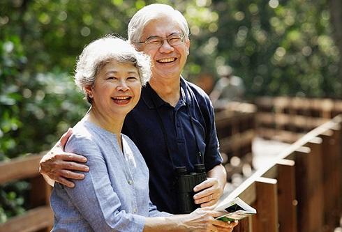 Người ở tuổi 50 nắm trong tay 4 điều này trong tay, chắc chắn nửa đời còn lại sẽ ung dung tự tại, gia đình có phúc báo, ngày càng viên mãn - Ảnh 3.
