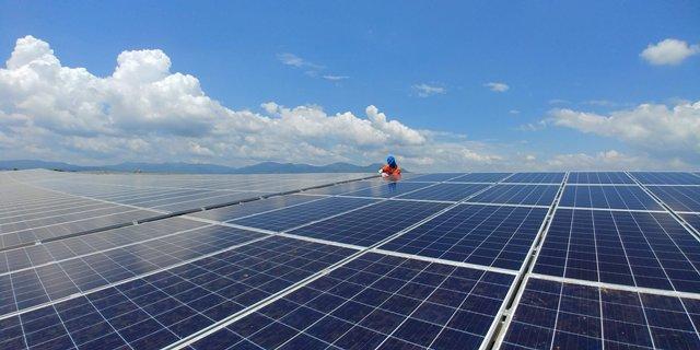 Những ông lớn đầu tư điện mặt trời ở Việt Nam có gì đặc biệt? - Ảnh 1.