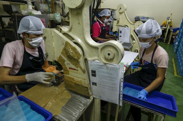 Kinh tế Thái Lan chìm sâu vì COVID-19  - Ảnh 1.