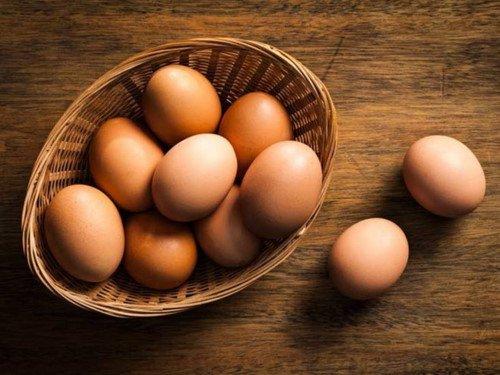 2 bà cháu ngộ độc nặng sau bữa tối, nguyên nhân đến từ một sai lầm khi ăn trứng gà mà hầu như mọi gia đình đều từng mắc phải - Ảnh 3.