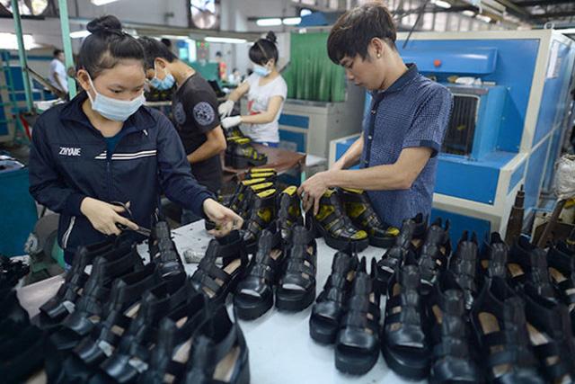 """Nguyên phụ liệu - """"nút thắt"""" của ngành công nghiệp da giày Việt Nam - Ảnh 1."""