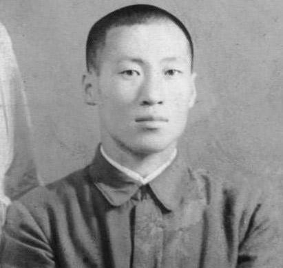 Chuyện đời như phim Hàn Quốc của nhà sáng lập đế chế tỷ USD Hyundai: Nghèo đói, tai nạn, chiến tranh đều không khuất phục được ý chí khởi nghiệp  - Ảnh 2.