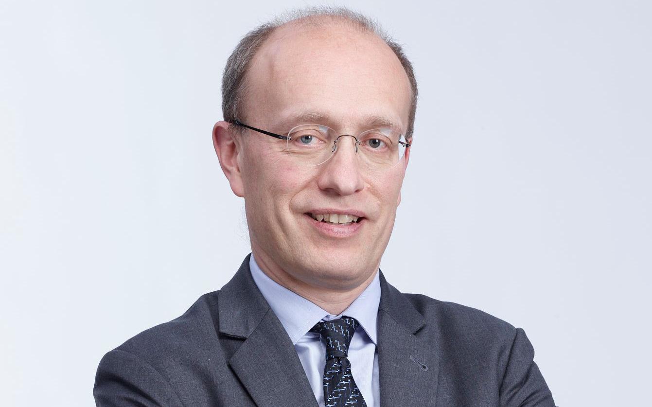 CEO Techcombank đăng ký mua gần 440.000 cổ phiếu TCB