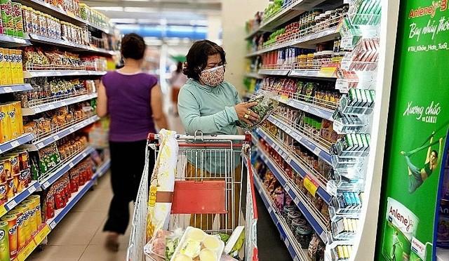 Giảm thuế GTGT để kích cầu tiêu dùng, nên hay không? - Ảnh 1.