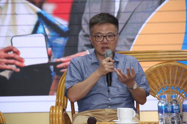 GS. Ngô Bảo Châu: Shock khi nhận bảng lương đầu tiên, không đủ tiền mua vé máy bay về Việt Nam - Ảnh 1.