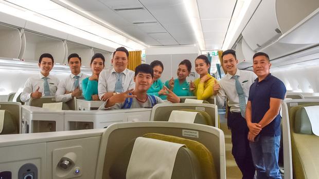 """YouTuber bị gắn mác """"giàu ngầm"""" của Việt Nam: Từng đến 30 quốc gia, mỗi năm đổ hết tiền bạc đi hơn trăm chuyến bay xa xỉ để review - Ảnh 8."""