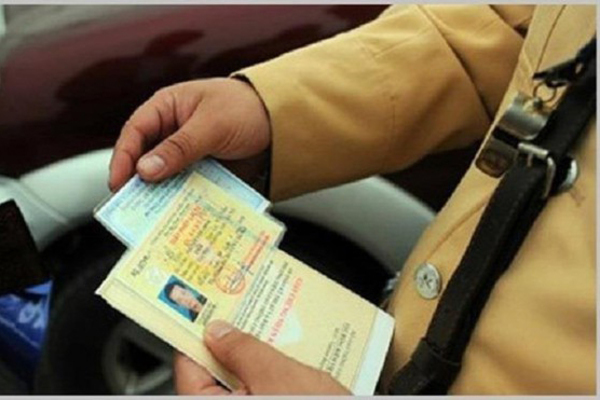 28 lỗi vi phạm bị trừ điểm giấy phép lái xe: Làm rõ quy định trừ điểm để tránh tiêu cực - Ảnh 1.