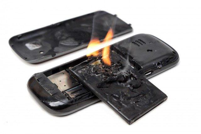 Xử lý cực nhanh khi phát hiện điện thoại bị phồng pin - Ảnh 3.