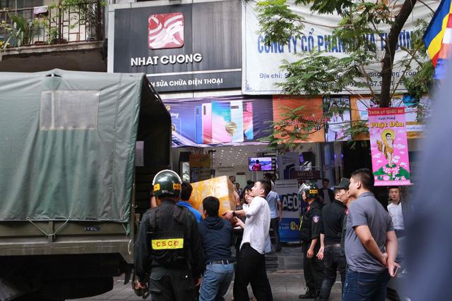 Ông chủ Nhật Cường Bùi Quang Huy thuê 9 đường dây vận chuyển hàng lậu từ Hồng Kông về Việt Nam - Ảnh 1.
