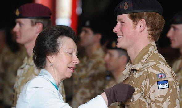"""Những điều ít người biết về nàng Công chúa duy nhất của Nữ hoàng Anh: Cá tính mạnh mẽ và sự kiện từng làm """"rung chuyển"""" Hoàng gia! - Ảnh 3."""