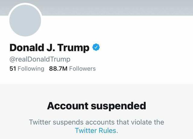 Quyết định Khóa tài khoản Tổng thống Trump vĩnh viễn đã thổi bay tổng cộng 51 tỷ USD vốn hóa thị trường của Facebook và Twitter  - Ảnh 1.