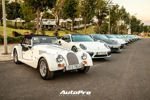 Doanh nhân Đặng Lê Nguyên Vũ trưng dàn xe hơn 100 tỷ đồng: Bộ sưu tập Porsche 911 và Mercedes SLS AMG khiến dân chơi xe phải kính nể - Ảnh 1.