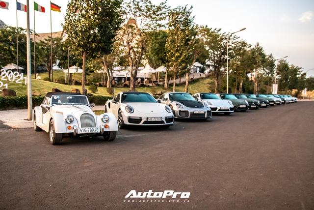 Doanh nhân Đặng Lê Nguyên Vũ trưng dàn xe hơn 100 tỷ đồng: Bộ sưu tập Porsche 911 và Mercedes SLS AMG khiến dân chơi xe phải kính nể - Ảnh 3.