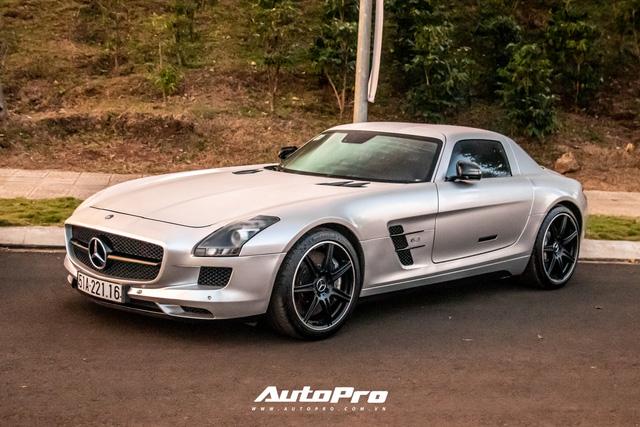 Doanh nhân Đặng Lê Nguyên Vũ trưng dàn xe hơn 100 tỷ đồng: Bộ sưu tập Porsche 911 và Mercedes SLS AMG khiến dân chơi xe phải kính nể - Ảnh 10.