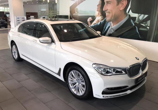 BMW 7-Series dọn kho giảm giá còn từ hơn 3,3 tỷ đồng: Sedan 'full-size' giá rẻ nhất Việt Nam - Ảnh 2.