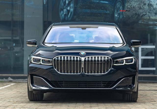 BMW 7-Series dọn kho giảm giá còn từ hơn 3,3 tỷ đồng: Sedan 'full-size' giá rẻ nhất Việt Nam - Ảnh 8.