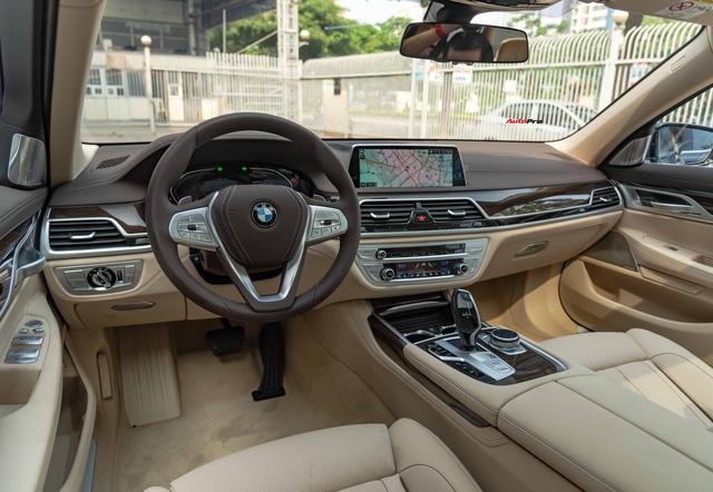 BMW 7-Series dọn kho giảm giá còn từ hơn 3,3 tỷ đồng: Sedan 'full-size' giá rẻ nhất Việt Nam - Ảnh 9.