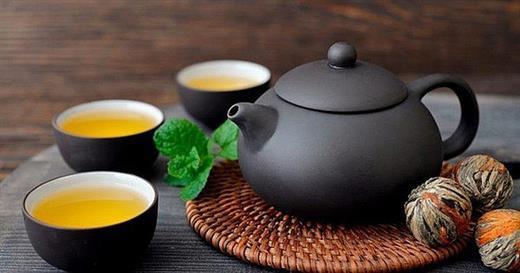 Uống trà cực tốt cho sức khoẻ nhưng 3 thời điểm – 5 nhóm người sau uống lại tai hại - Ảnh 1.