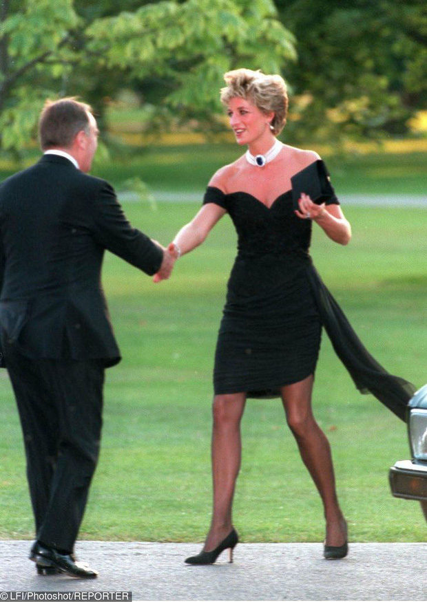 7 lý do khiến Diana dù là một Công nương nổi loạn nhưng lại là nhân vật được yêu mến nhất Hoàng gia Anh - Ảnh 11.