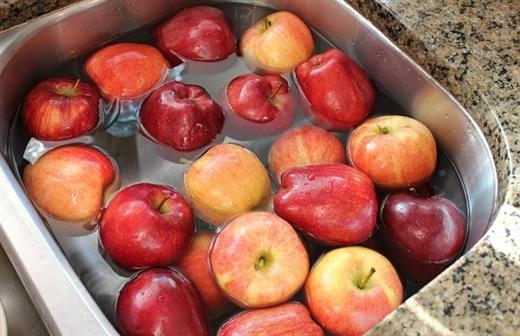 3 loại trái cây kích thích sự phát triển của ung thư mà chuyên gia cảnh báo: Loại thứ 2 người Việt hiện vẫn sử dụng rất nhiều - Ảnh 3.