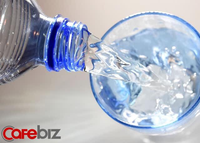 Cách một người đàn ông khiến Coca-Cola mất hàng chục triệu USD, bị người mua tẩy chay chỉ bằng một cú điện thoại  - Ảnh 2.