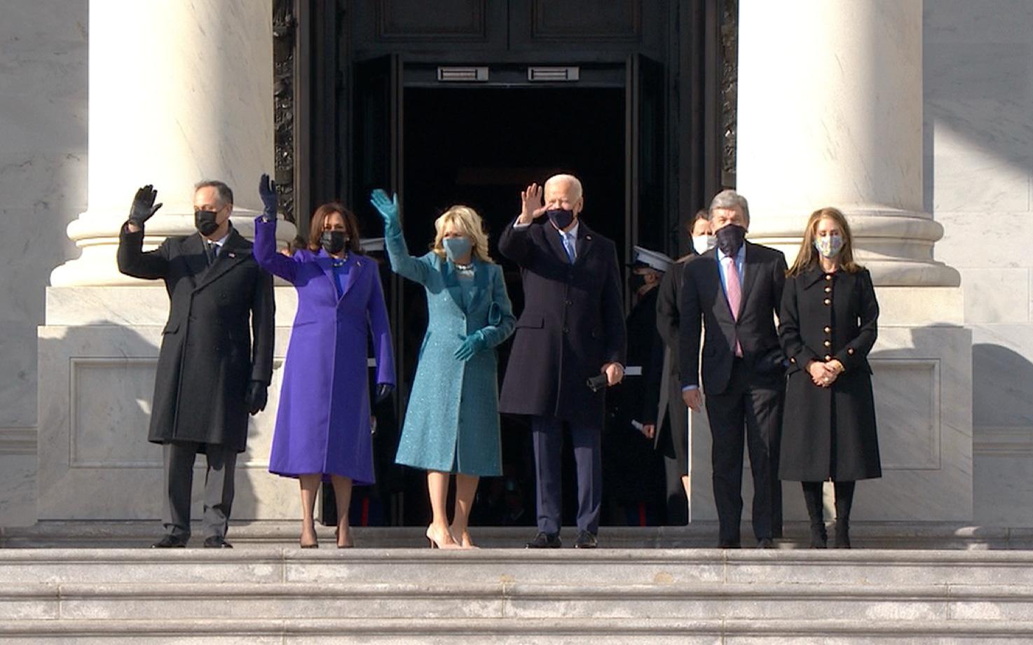 """[Cập nhật]: Air Force One cất cánh đưa ông Trump rời Washington D.C, ông Joe Biden tuyên bố """"Một ngày mới ở nước Mỹ"""""""