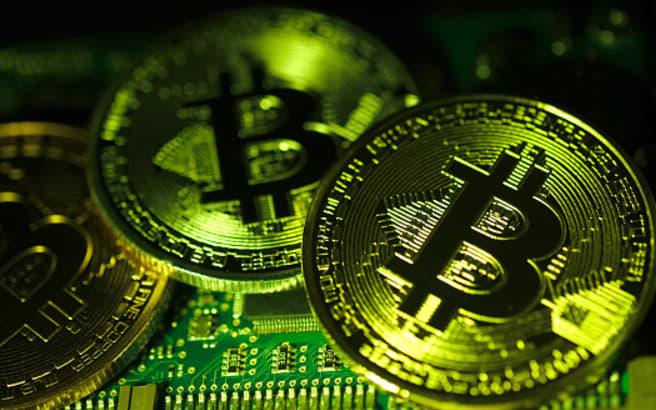 Bitcoin lao dốc thảm, thị trường tiền số mất 100 tỷ USD vốn hoá chỉ trong 48 giờ