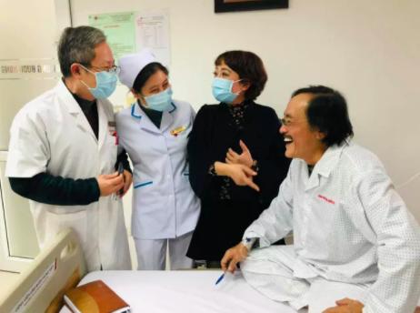 Nghệ sĩ Giang còi xác nhận bị ung thư hạ họng giai đoạn 3, đã di căn: Tôi còn những 2 năm nữa cơ mà. Tôi sẽ lại lao vào công việc - Ảnh 2.