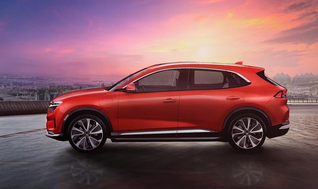 Bóc trang bị 3 ô tô VinFast hoàn toàn mới: Màn hình khổng lồ, cửa sổ trời miên man, tìm được nút bấm cũng khó - Ảnh 6.