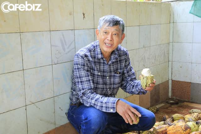 Tiến sĩ về làm nông dân: Hồi sinh đồi đá trơ trọi nhờ cỏ dại, trồng cacao không hoá chất tạo dòng socola đắt nhất Việt Nam - Ảnh 8.