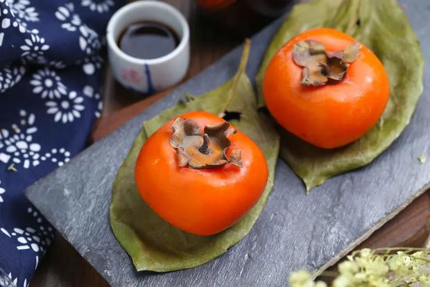 Trẻ 6 tuổi ăn quả hồng bị hoại tử ruột: bác sĩ cảnh báo những cách ăn hồng sai có thể gây tử vong - Ảnh 4.