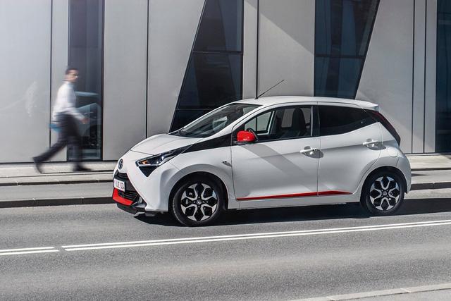 Toyota Aygo 2021 chào hàng khách Việt: Nhỏ hơn cả Wigo, giá gần 800 triệu đồng như Corolla Cross - Ảnh 1.