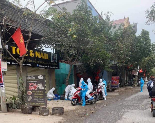 Hà Nội phong toả, chốt chặn một căn nhà ở phố Hàng Gai liên quan ca nghi nhiễm Covid-19 - Ảnh 1.