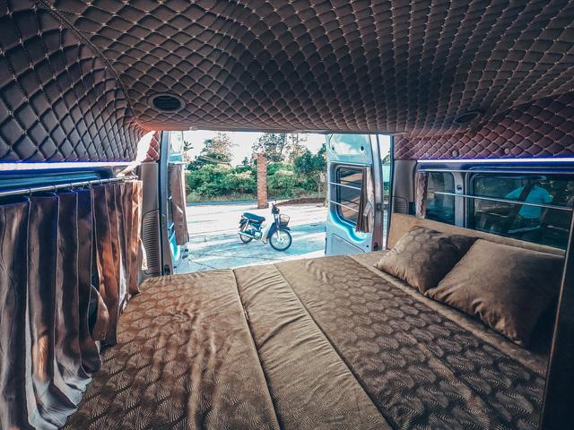 Chi 250 triệu đồng để biến xe cũ thành nhà, đôi vợ chồng trẻ thực hiện hành trình xuyên Việt trong không gian sống chỉ 6m2 - Ảnh 16.