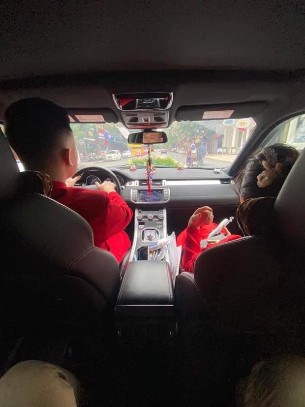 Câu chuyện nhà trai quay về vì không được vào Quảng Ninh đón dâu: 2 gia đình đã gặp gỡ, trao lễ ngay tại... trạm BOT  - Ảnh 4.