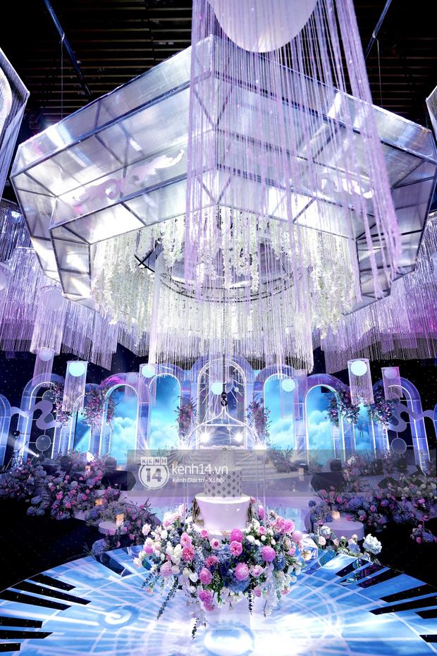 Cận cảnh không gian tiệc cưới sang chảnh hơn 20 tỷ đồng của Tổng giám đốc Phan Thành - Ảnh 4.