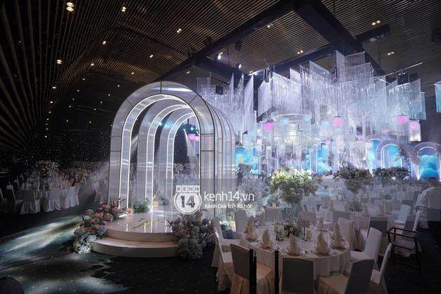 Cận cảnh không gian tiệc cưới sang chảnh hơn 20 tỷ đồng của Tổng giám đốc Phan Thành - Ảnh 6.