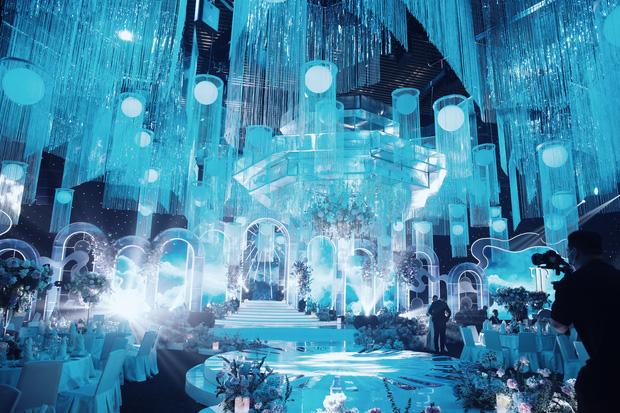 Cận cảnh không gian tiệc cưới sang chảnh hơn 20 tỷ đồng của Tổng giám đốc Phan Thành - Ảnh 7.
