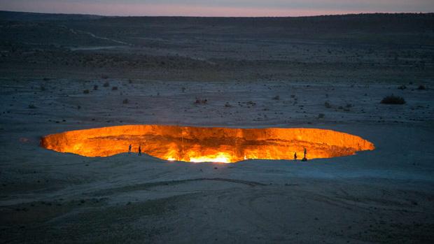 Câu chuyện về cổng địa ngục khổng lồ rực lửa suốt 50 năm: Khai mở chỉ vì một sai lầm không thể cứu vãn của con người - Ảnh 1.
