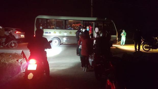 67 học sinh tiểu học ở Hải Dương tự mang theo đồ dùng đi cách ly tập trung: 21 ngày xa nhà, lại đúng dịp Tết, thương các con vô cùng - Ảnh 2.