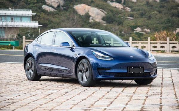Xe điện Tesla vừa mở hàng tại Trung Quốc đã bán đắt như tôm tươi, 100.000 đơn chốt chỉ trong vòng vài tiếng - Ảnh 1.