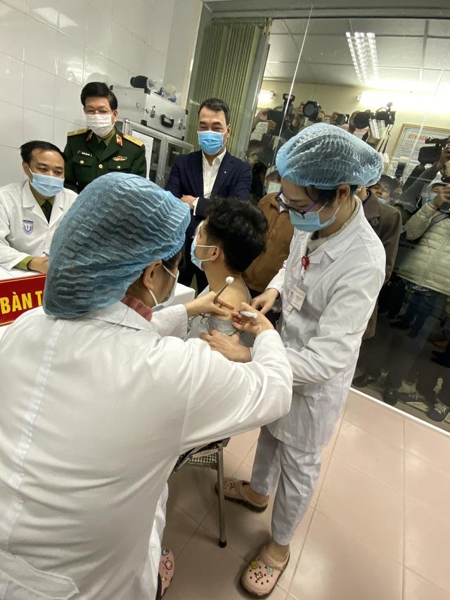 Những doanh nghiệp khiến thế giới ngạc nhiên trước Việt Nam giữa bão Covid: Từ bánh mì, máy thở, vacxin, đến 5G và ô tô xuất Mỹ  - Ảnh 4.