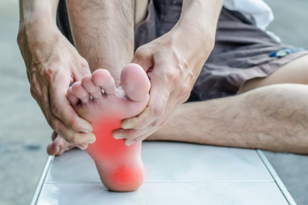 3 đặc điểm ở bàn chân giúp nam giới nhận biết mình có nằm trong nhóm sống thọ hay không - Ảnh 1.