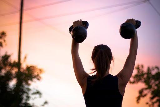 Tập thể dục vào thời điểm nào là tốt nhất cho sức khỏe? Chuyên gia chỉ ra 1 điểm mấu chốt giúp bạn có kết quả tích cực - Ảnh 2.