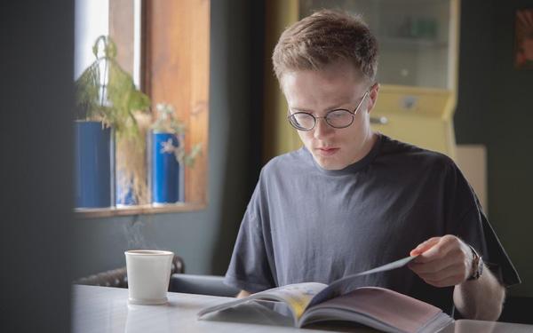 """Từ cảnh chỉ đọc sách kiểu """"cưỡi ngựa xem hoa"""", những chiến lược sau đã biến tôi thành một bookaholic - người mê sách chính hiệu - Ảnh 1."""