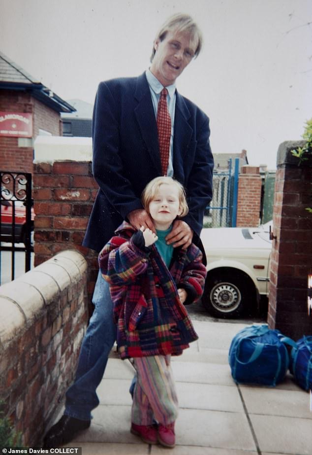 Góc khuất cuộc đời Họa mi nước Anh Adele: Bị cha bỏ rơi từ năm lên 3, căm hận với tuyên bố nếu gặp lại, tôi sẽ nhổ nước bọt vào ông ấy và lời tha thứ cuối cùng - Ảnh 3.