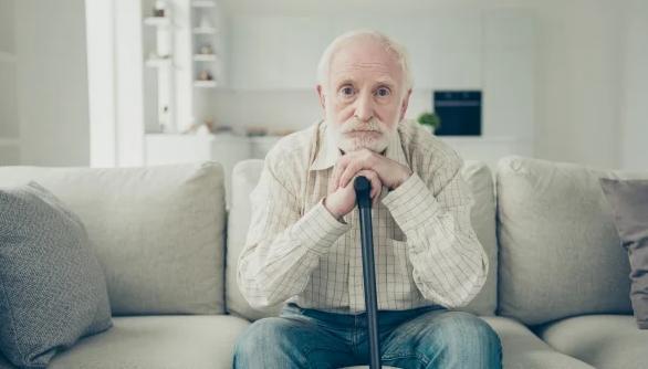 5 thống kê toàn cầu về những điều tiếc nuối nhất trong cuộc đời: Người trẻ ơi, hãy tỉnh ngộ, đừng để sau này mới than vãn trẻ không làm, già hối tiếc - Ảnh 1.