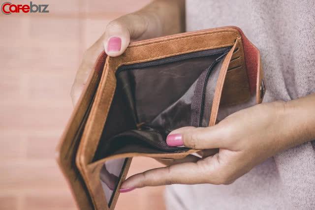 Tìm 3 người bạn thân vay tiền, tôi tá hoả nhận ra: Dùng tiền để thử thách lòng người là ngu ngốc lớn nhất trên đời, càng là bạn thân kết quả càng bẽ bàng! - Ảnh 2.