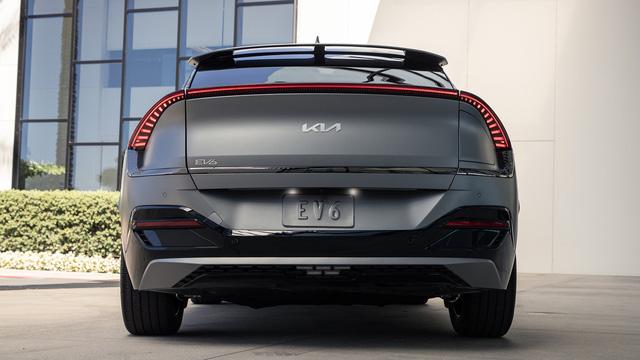 10 điểm thú vị ít ai biết trên Kia EV6 sắp bán tại Việt Nam, thách thức xe điện VinFast  - Ảnh 2.
